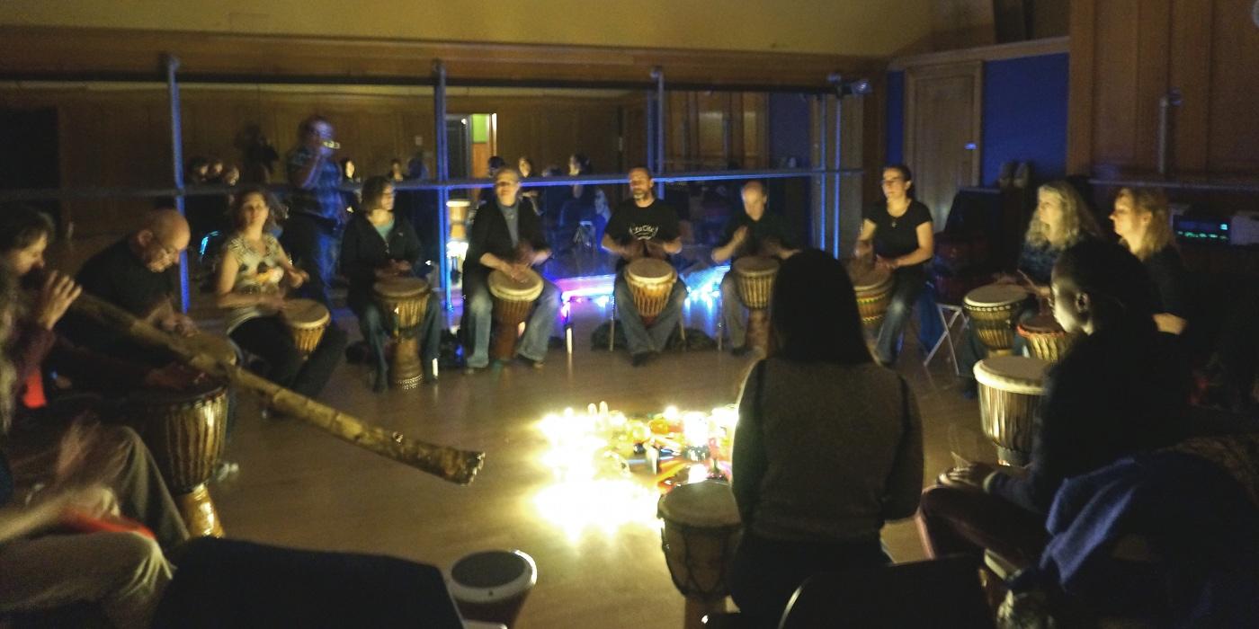 Earth*tones groupe de danse et percussions, à Ottawa